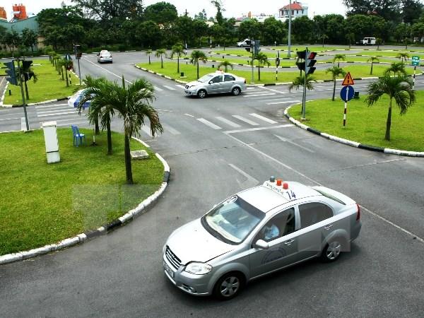 Toyota Hà Tĩnh hướng dẫn thi bằng B2